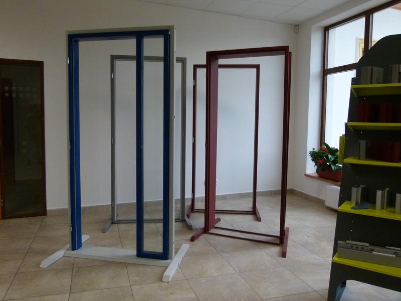 Zárubně dveří kovové